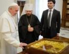 Папа Римский получил в дар от Патриарха Кирилла икону «Призри на смирение»