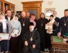 Предстоятель УПЦ вручил подарки родителям-воспитателям детских домов семейного типа